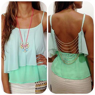 Live life in full color!!!! Blusa con escote de cadenas