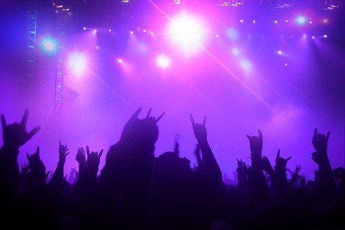 Jeunes artistes de musique, et si vous vous faisiez connaître ? ==> http://ma-musique-communautaire.com/jeunes-artistes-musique-connaitre/