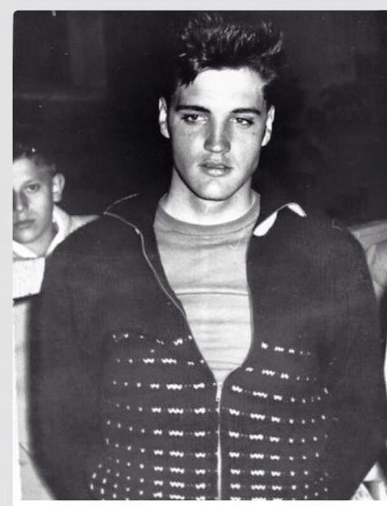 Fascinating Historical Picture of Elvis Presley in 1959