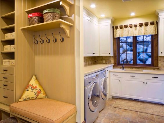 laundry off mudroom?