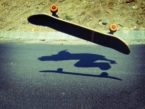 :: skateboard and shadow ::