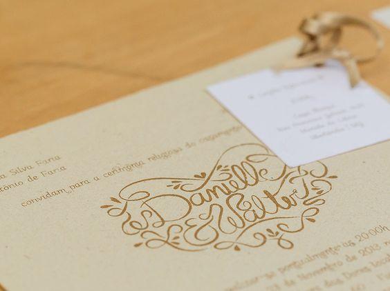 Detalhe do convite em papel calandrado e impressão em tinta dourada (golden, rustic, wedding, lace, chic, romantic)