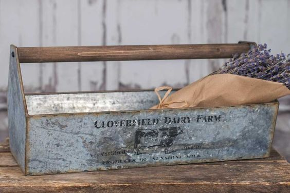 Antique Metal Cloverfield Dairy Caddy - *FREE SHIPPING*