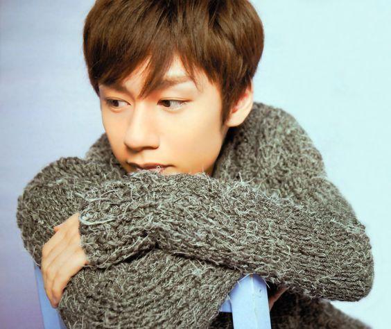 中丸雄一短髪でセーターがかっこいい