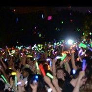 Glow çubuk hayranları toplanıyor