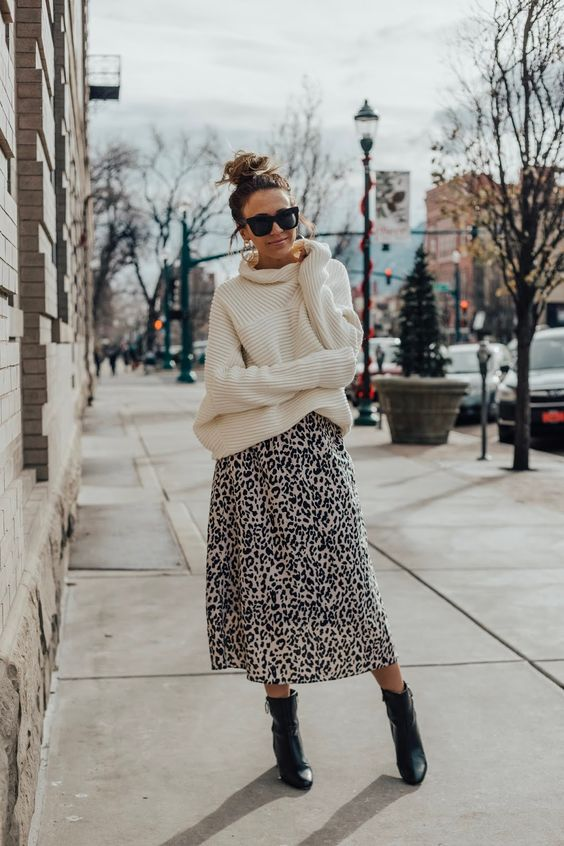Leah Behr: How To Style Oversized Sweater With A Leopard Skirt