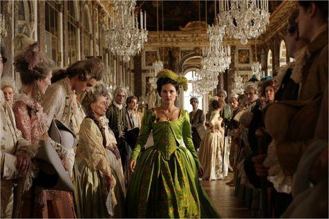 «Les Adieux à la reine», évocation cruelle des derniers jours à Versailles, entre panique et aveuglement. http://next.liberation.fr/cinema/01012397223-ambiance-fin-de-reine