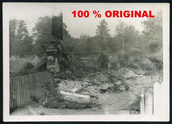 orig. WK2 FOTO - ZERSTÖRTES DORF IN RUSSLAND - OSTFRONT - SCHLACHTFELD