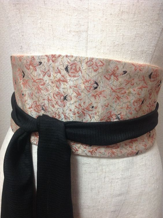 100% silk obi belt crafted from Japanese silk elegantly enhances any outfit and cinch your waist for a very slimming look. Perfect alternative to leather belts.