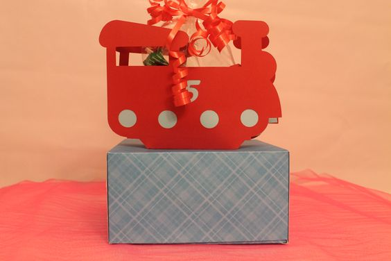 ... and now something for the boys, a choo-choo treat box.  It can be filled with candy or a trinket.