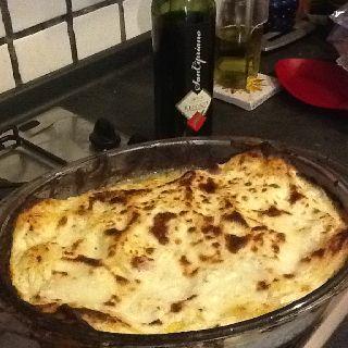 Lasagne bianche con ricotta, prosciutto cotto e besciamella ai 4 formaggi