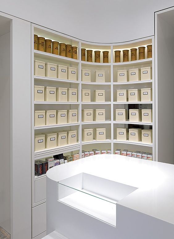 Linden-Apotheke, Ludwigsburg. A project by Ippolito Fleitz Group – Identity Architects.