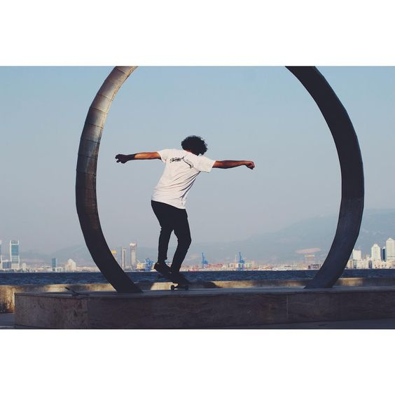 The Roof Hand Logo White Tee  http://theroofskateboards.com/