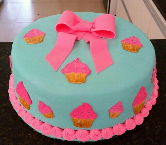 Laço e cupcakes!