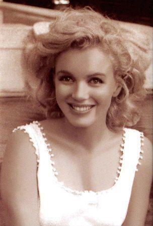 Marilyn Monroe http://t.co/IR9q6HbwRv http://t.co/NFM8yuy2N8 http://t.co/RhsGVyNcvO