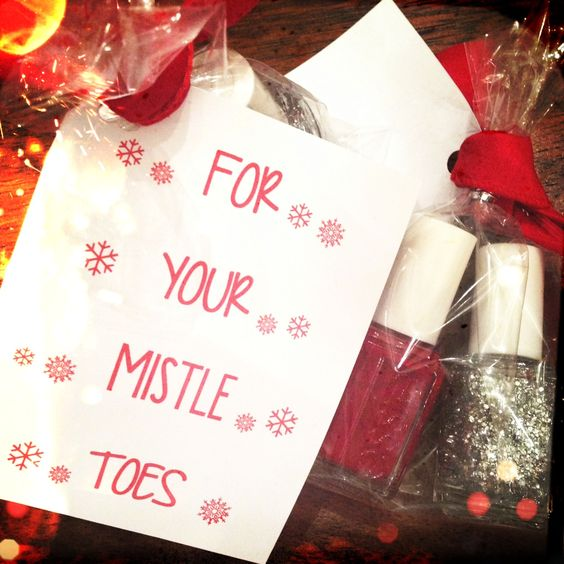 foto de FREE PRINTABLE {For Your Mistle Toes} gift tag Holidays