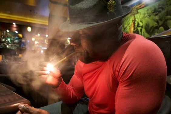 La Casa Cigar Lounge…9pm, Tivolli Village Las Vegas   THE DIGEOLOGIST