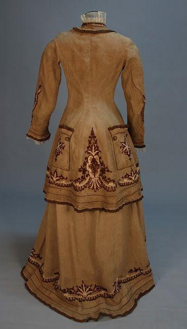 i-love-historical-clothing: bustle dress 1870