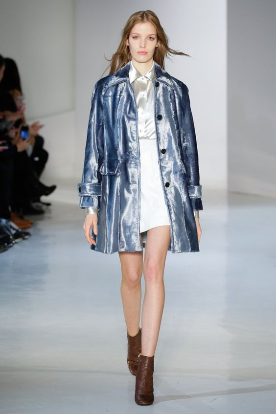 Pin for Later: These Fall 2015 Toppers Put Our Current Coats to Shame Jill Stuart Fall 2015