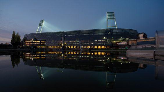 Wohnzimmer, Kultstätte, Fußballtempel - das Weserstadion in Bremen