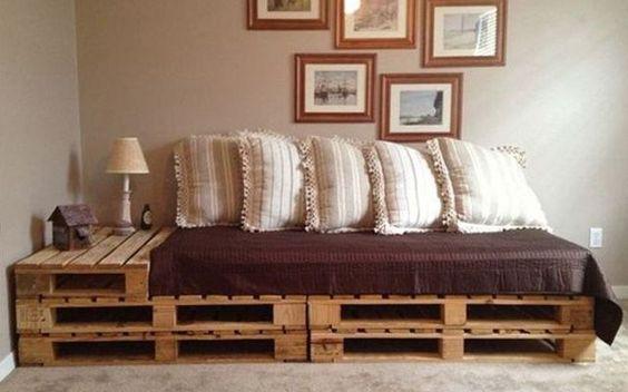 Palettes en bois id es de bricolage de meubles bricolage - Canape lit en palette ...