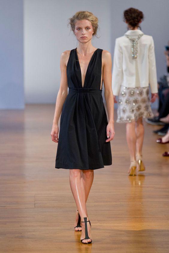 Défilé Collette Dinnigan, prêt-à-porter printemps-été 2014, Paris. #PFW #fashionweek #runway
