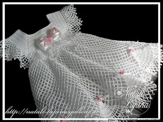 Free Crochet Baby Dress Patterns | This Sweet As a Rose| This Sweet As a Rose outfit consists of a dress, bonnet booties.