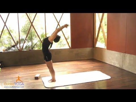 Si nunca has practicado Yoga o lo has hecho pocas veces, intenta estas secuencias básicas. Compartimos 2 cápsulas de ejercicios de yoga dentro de este video....
