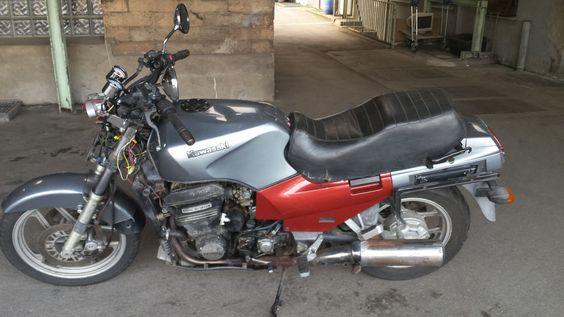 Kawasaki GTR 1000 als Naked Bike in Gelsenkirchen