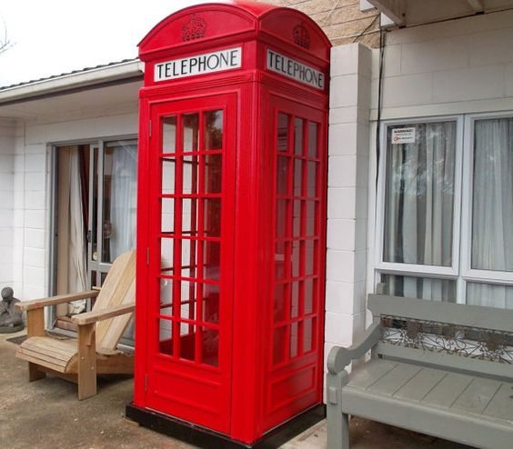 Red English Telephone booth plans PDF downloadable by BuildEazy
