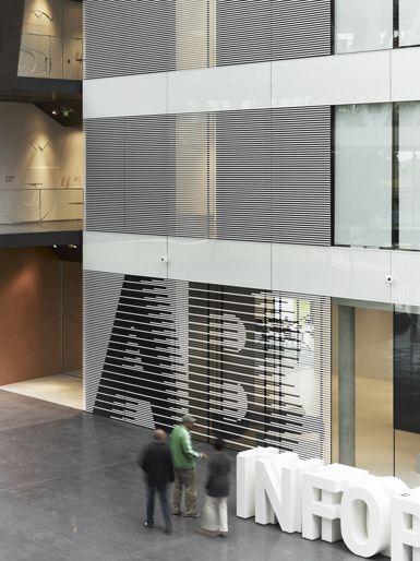 büro uebele // adidas laces orientierungssystem und interior design herzogenaurach 2011