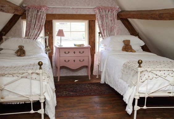 Pollyanna, Cotswolds thatched self-catering holiday cottage, Thatched self-catering cotswolds holiday cottage: