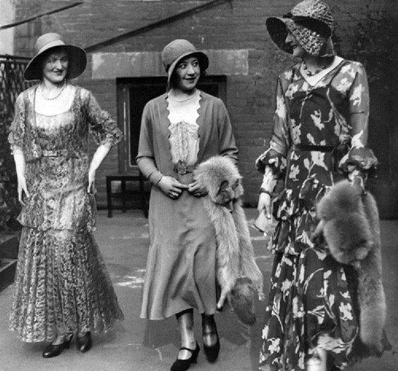 1910 Fashion models