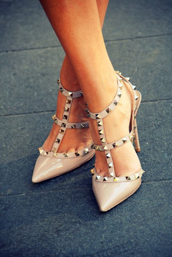 These Valentino stud heels <3 One day!