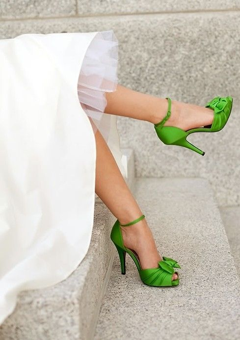 B r i d a l . B l i s s how cool to have this bright colored shoe with the traditional dress!: