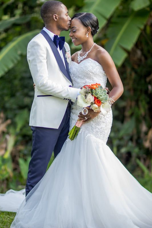 Dawn And Fungai S African Wedding In Zimbabwe Photography By Erenez Photography African American Brides Indian Wedding Hairstyles African American Weddings