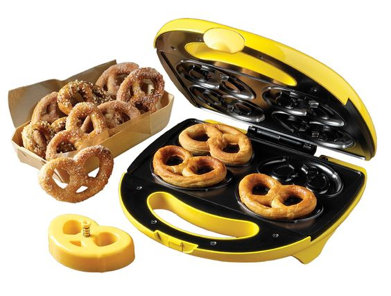Amazon.com: Nostalgia Electrics SPF-200 Soft Pretzel Factory: Electric Popcorn Poppers: Kitchen & Dining