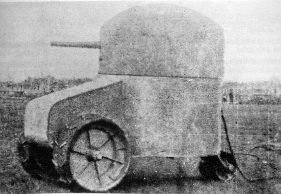 Early French tank, the Aubriot-Gabet Fortress, mounted on a tractor chassis, 1915.