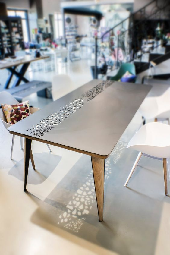 Table dining Collection Lal, Metal and wood Iron Steel and wood  Vêtements