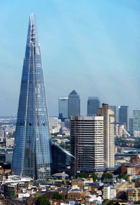 The shard in london architecture bureaux pinterest for Tour de verre a londres
