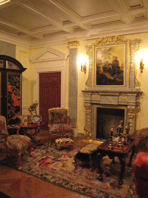 Georgian Drawing Room: Suzanne Crowley -Living Room In My Georgian Dollhouse