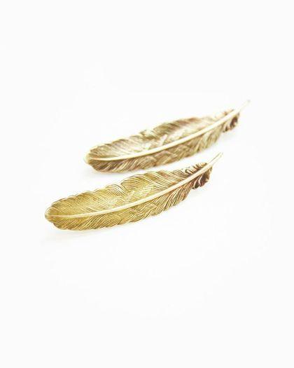 Feather Earrings //