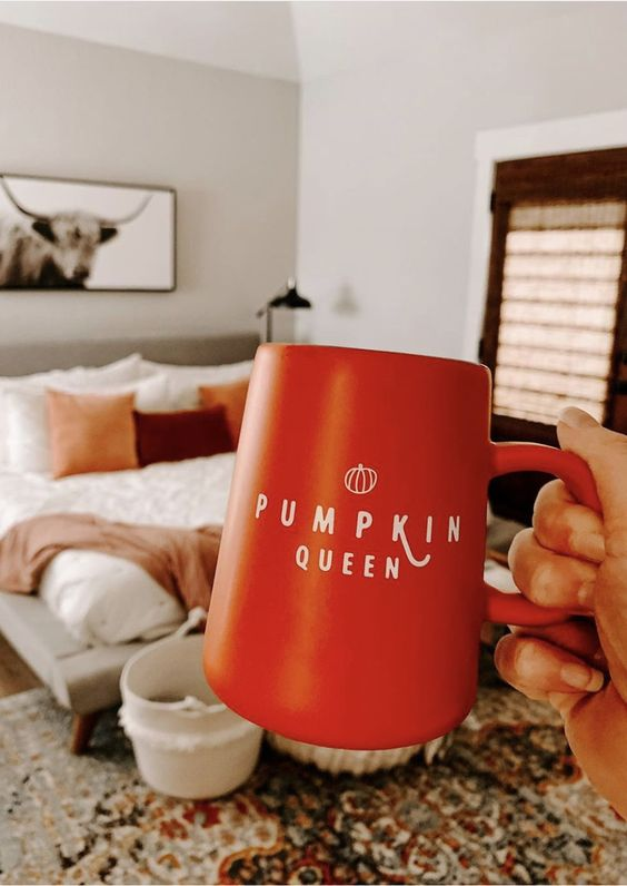 """PUMPKIN QUEEN Modern """"Pumpkin Queen"""" mug hand-lettered by Sarah of Chalkfulloflove! Sip on your morning coffee and pumpkin spice in this adorable Fall mug fit for a queen...a Pumpkin Queen, that is! Shop the Fall Collection now at chalkfulloflove.com and follow @chalkfulloflove on Instagram for more Fall and Home Decor inspo!"""