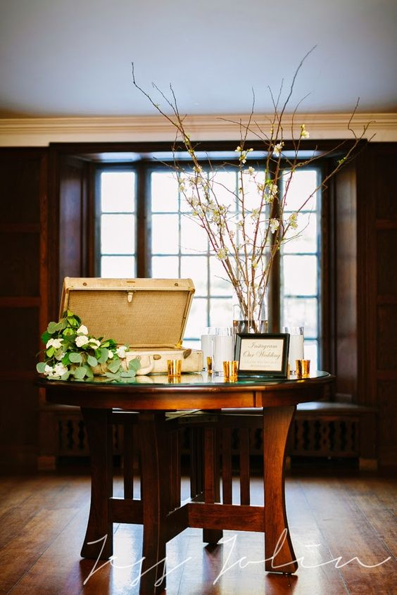 willowdale estate : les fleurs : jess jolin photography : white quince : antique luggage