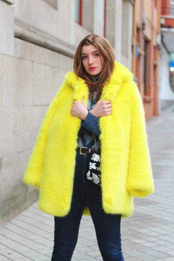 Abrigo de pollito- como combinar un abrigo llamativo