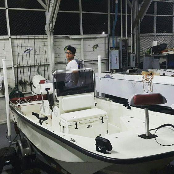 Boston whaler montauk 17 39 monkey business 17 for Montauk fishing party boats