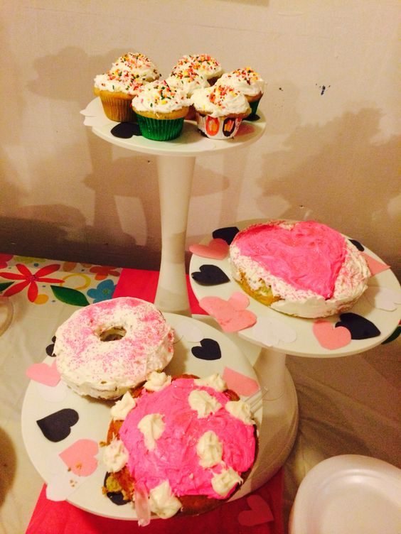 Happy Birthday heart shape cake and cupcake on 3 level tier #EviesPastries #confetti