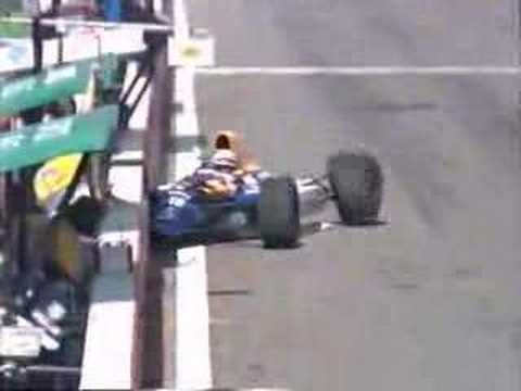 Patrese hits Berger in Portugal 92