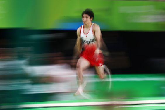Na #GinásticaArtística,#JPN Ushimura provou que ainda é o melhor em tds os aparelhos e foi #Ouro no individual geral
