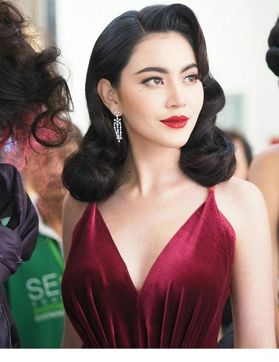 Iconic Vintage Hairstyles To Inspired In 2020 Classy Hairstyles Medium Hair Styles Hair Styles